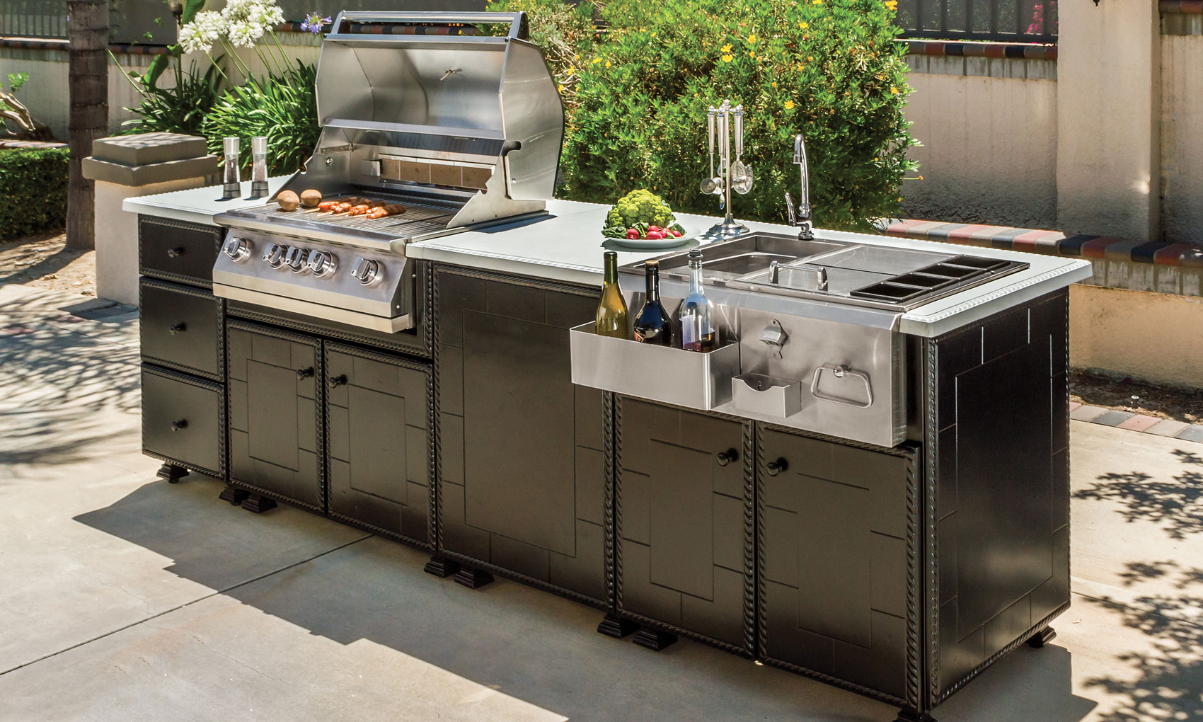 Custom Outdoor Kitchen Hamilton Ontario